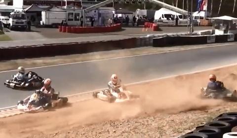 Nhung pha va cham khi dua xe Go Kart hinh anh