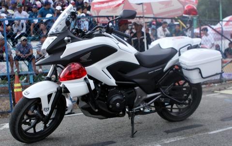 Honda NC750 phien ban canh sat xuat hien o Viet Nam hinh anh