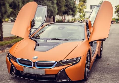 Cap sieu xe BMW i8 khoe ve dep tren duong pho Da Nang hinh anh 1