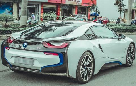 Cap sieu xe BMW i8 khoe ve dep tren duong pho Da Nang hinh anh 4