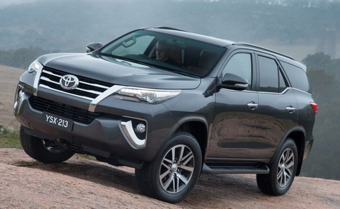 Toyota Fortuner 2016 co gia ban tu 47.000 USD o Malaysia hinh anh
