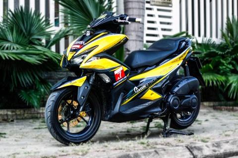 Yamaha NVX 155 son tem dau dan ao bat mat o Sai Gon hinh anh
