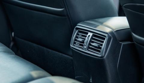 Danh gia Nissan X-Trail: Chay dua ve gia va cong nghe an toan hinh anh 5