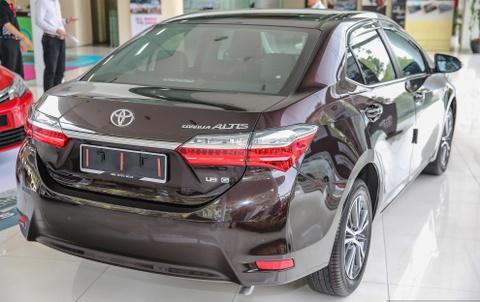 Toyota Corolla Altis 2017 giam gia, them nhieu trang bi hinh anh 4