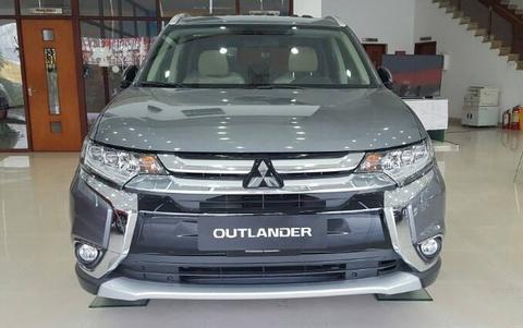 Mitsubishi Outlander hang ton giam gia 220 trieu o Viet Nam hinh anh