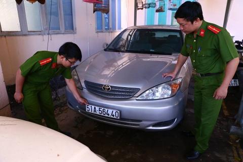 Nhieu xe sang mang bien so gia bi tam giu o Binh Duong hinh anh