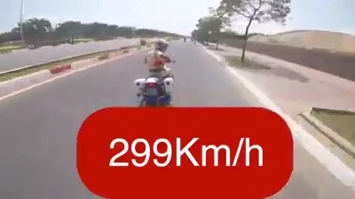Thanh nien tung clip chay tron cong an voi 'toc do ban tho' 299 km/h hinh anh