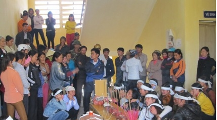 'San phu Xuan chet ngay sau khi len ban mo' hinh anh