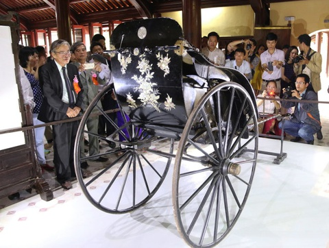 Nghi van ve xe keo vua Thanh Thai tang me hinh anh