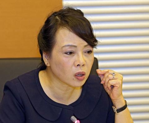 Bo truong Kim Tien: 'Facebook cua toi la toi tra loi day...' hinh anh