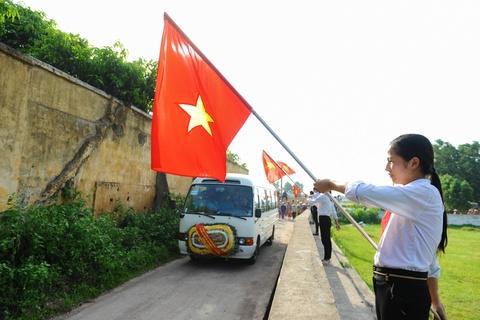 Hang nghin nguoi tien biet dai ta phi cong Tran Quang Khai hinh anh 2