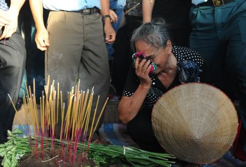 Hang nghin nguoi tien biet dai ta phi cong Tran Quang Khai hinh anh 6