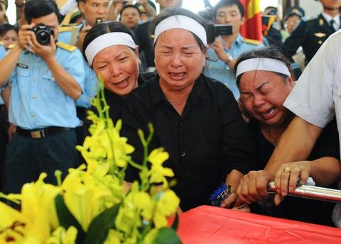 Hang nghin nguoi tien biet dai ta phi cong Tran Quang Khai hinh anh 12