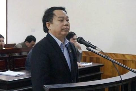 Nguyen chu tich huyen Ky Anh linh 12 nam tu hinh anh