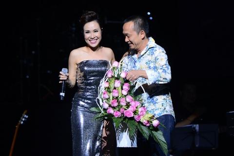 Uyen Linh tai hien thoi khac huy hoang cua Vietnam Idol hinh anh