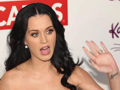 Katy Perry dap tra khi bi fan noi xau trong live show hinh anh