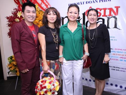 Danh ca Khanh Ly den chuc mung Thanh Thuy ra mat phim moi hinh anh