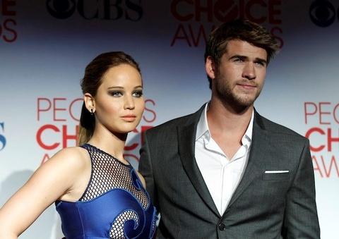 Jennifer Lawrence hen ho Liam Hemsworth sau 'Mockingjay 2' hinh anh