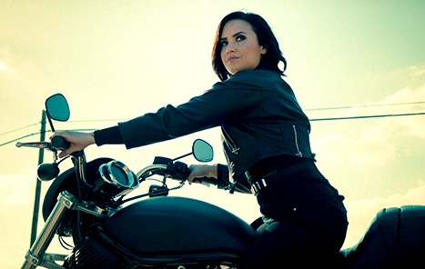 Demi Lovato - Confident (Official Video) hinh anh