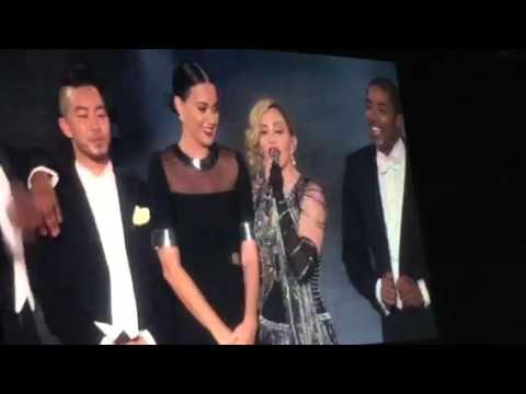 Katy Perry & Madonna on Rebel Heart Tour hinh anh