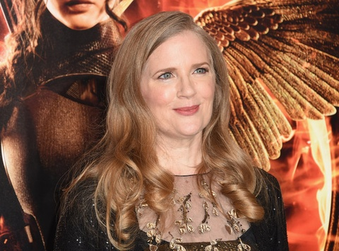 Suzanne Collins viet tam thu tu biet 'The Hunger Games' hinh anh