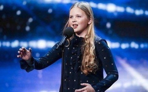 Clip co be 12 tuoi hat nhac kich o Britain's Got Talent hinh anh
