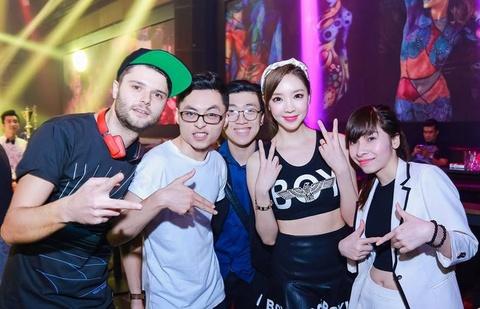 Nu DJ Han chay het minh trong dem dien tai Ha Noi hinh anh 5