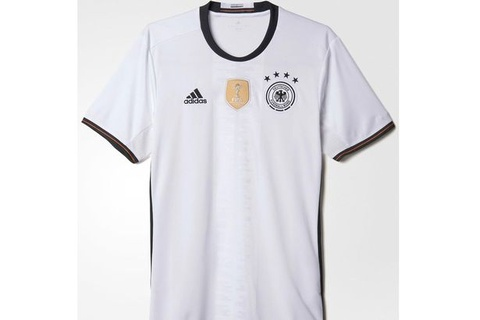 Top 10 doi tuyen co ao thi dau dep nhat Euro 2016 hinh anh 10