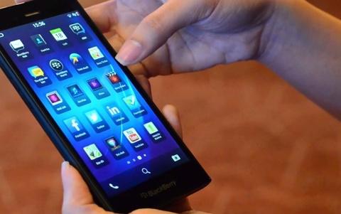 BlackBerry Z3 canh tranh quyet liet voi Zenfone, Nokia XL hinh anh