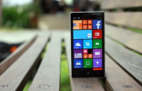 Thach thuc cua Lumia 930 tren phan khuc cao cap tai VN hinh anh