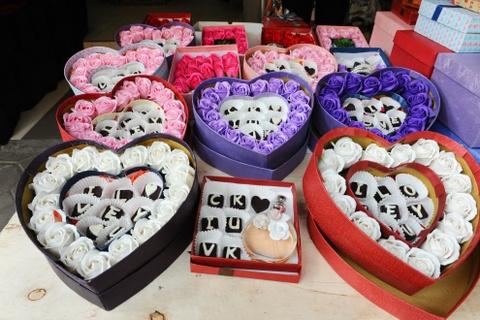 Gioi tre hao hung chon qua tang ngay Valentine hinh anh 5