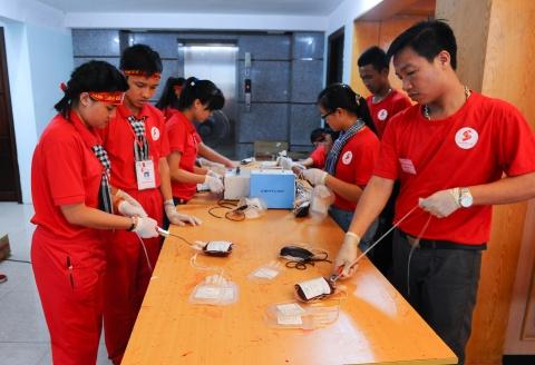 Nguoi dan Thanh Hoa doi mua bao di hien mau hinh anh 8