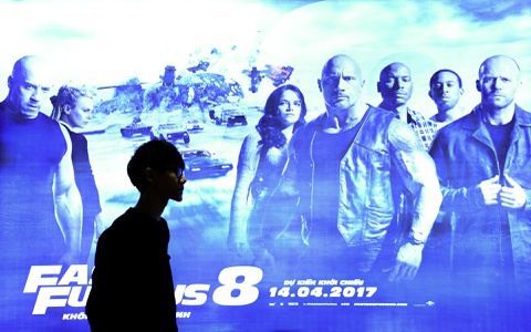 Rap chieu phim Ha Noi chay ve cac suat chieu 'Fast & Furious 8' hinh anh 2