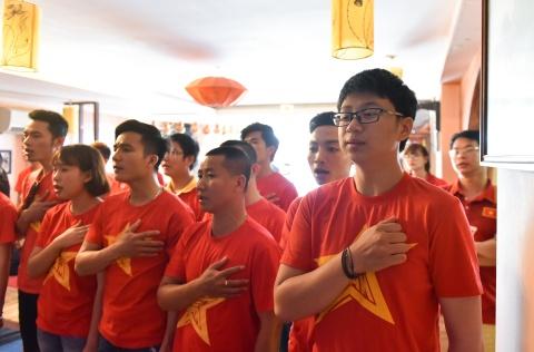 Co dong vien khoc nuc no sau that bai cua U20 Viet Nam hinh anh 3
