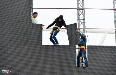 Khong khi co vu U23 Viet Nam nong dan tai 'fanzone' My Dinh hinh anh 2