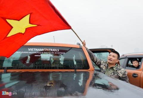Khong khi co vu U23 Viet Nam nong dan tai 'fanzone' My Dinh hinh anh 7