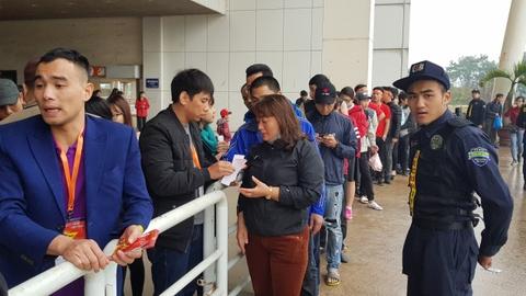 Khong khi co vu U23 Viet Nam nong dan tai 'fanzone' My Dinh hinh anh 10