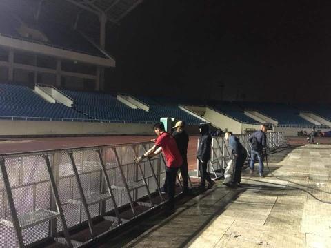 Khong khi co vu U23 Viet Nam nong dan tai 'fanzone' My Dinh hinh anh 3