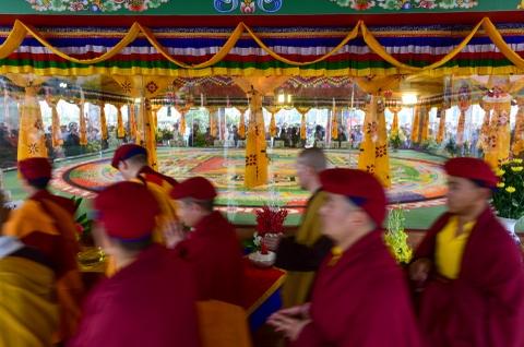 Can canh tranh Mandala Phat Quan Am bang ngoc da quy lon nhat Viet Nam hinh anh 5