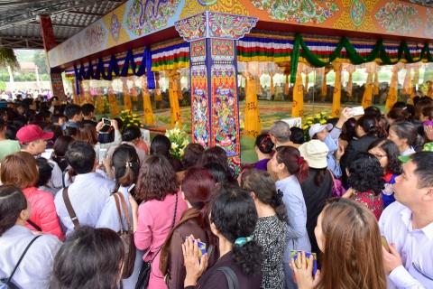 Can canh tranh Mandala Phat Quan Am bang ngoc da quy lon nhat Viet Nam hinh anh 8
