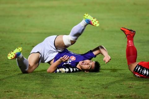 CLB Ha Noi suyt thua doi Binh Duong trong tran dau co 6 ban thang hinh anh 4