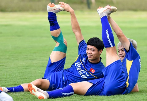 Cong Phuong, Van Toan vui ve trong buoi tap cua U23 VN hinh anh