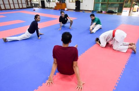 Nu van dong vien karate miet mai tap luyen truoc them ASIAD 2018 hinh anh 12