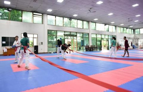 Nu van dong vien karate miet mai tap luyen truoc them ASIAD 2018 hinh anh 9