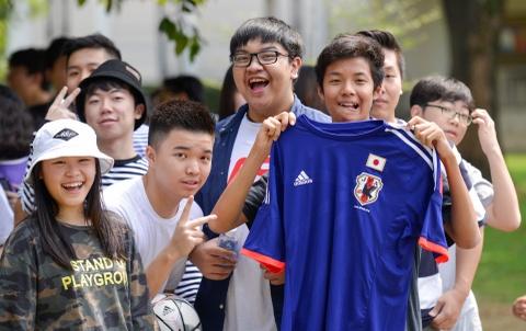 Cau thu Nhat Ban thoai mai truoc dai chien voi Olympic Viet Nam hinh anh 9