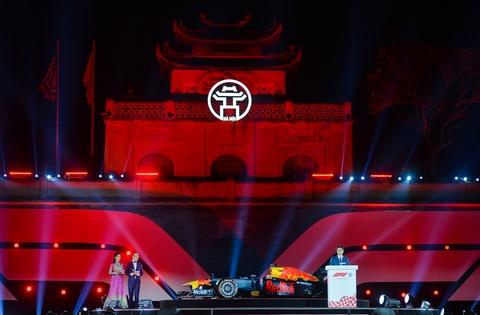 Xe dua F1 xuat hien hoanh trang tai Hoang thanh Thang Long hinh anh 4