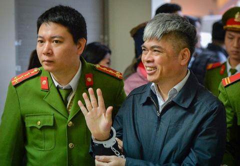 Nguyen Xuan Son - nguoi mang an tu xuat hien o phien toa dip gan Tet hinh anh