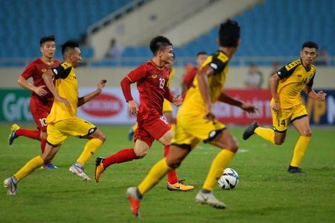 Quang Hai tung nguoi volley trong ngay U23 Viet Nam dai thang hinh anh 3