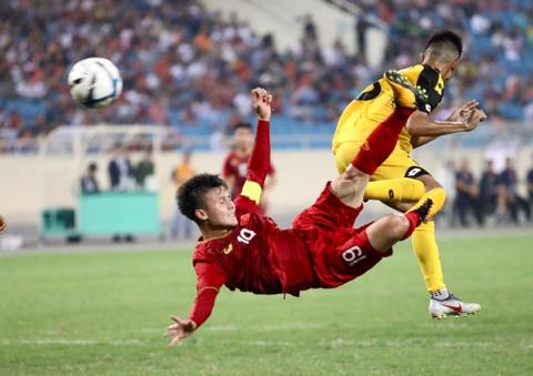 Quang Hai tung nguoi volley trong ngay U23 Viet Nam dai thang hinh anh 5