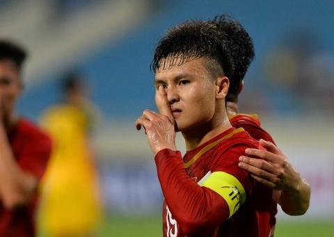 Quang Hai tung nguoi volley trong ngay U23 Viet Nam dai thang hinh anh 9